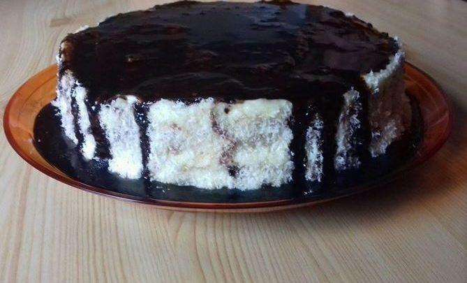 Hólabda torta, nem kell tésztát szaggatni, sokkal egyszerűbb, de talán még finomabb mint a klasszikus hólabda