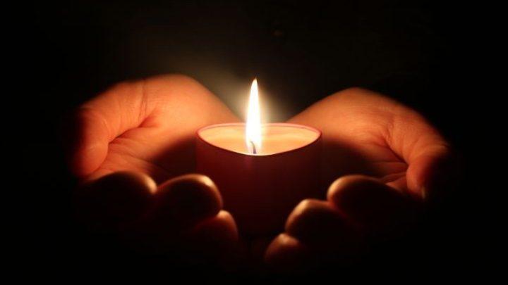 A színház közölte a szomorú hírt: elhunyt a Szomszédok legendás színésze