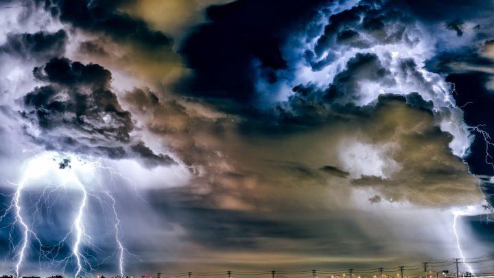 Riasztás van érvényben: itt csaphat le mindjárt nagy vihar