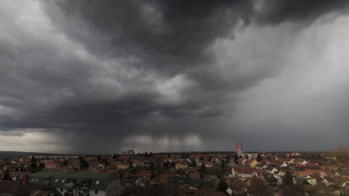 Már itt a nyakunkon az újabb felhőszakadás: ezt a magyar régiót fogja elmosni az eső